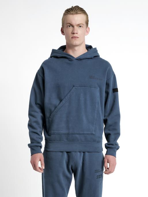 HALO COTTON HOODIE, WHITE/DRESS BLUE, model