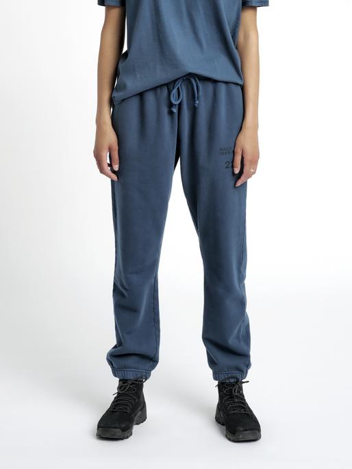 HALO COTTON SWEATPANT, WHITE/DRESS BLUE, model