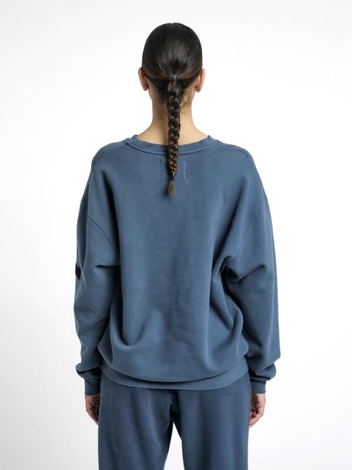 HALO COTTON CREW, WHITE/DRESS BLUE, model