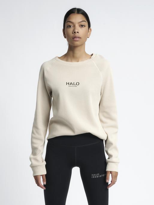 HALO WAFFLE LONGSLEEVE, PUMICE STONE, model
