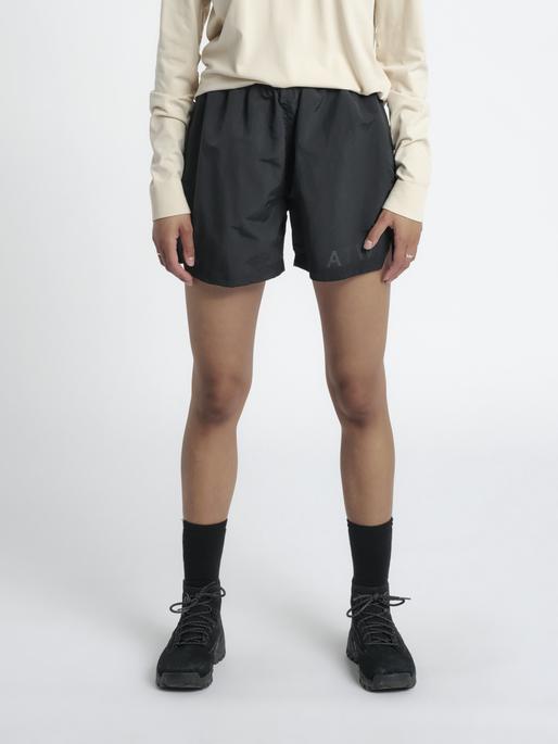 HALO ATW SHORT, BLACK, model