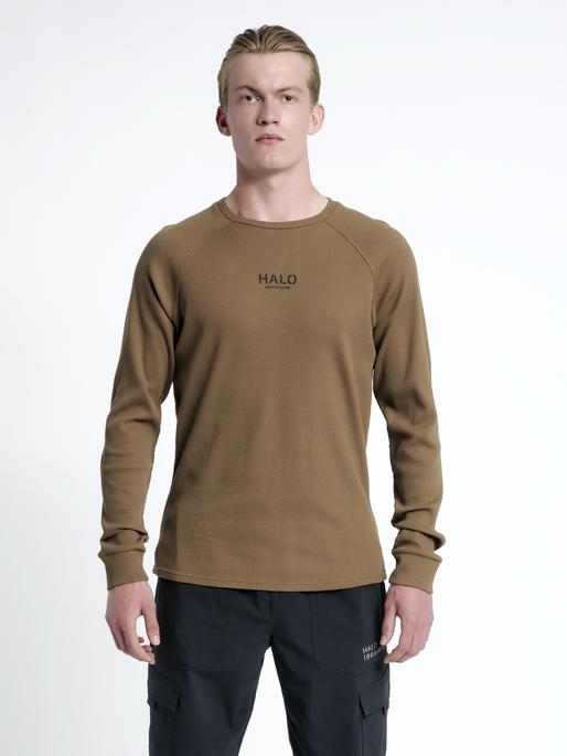 HALO WAFFLE LONGSLEEVE, VINTAGE BROWN, model