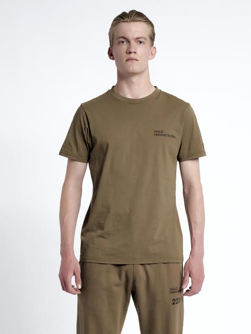 HALO COTTON TEE, VINTAGE BROWN, model