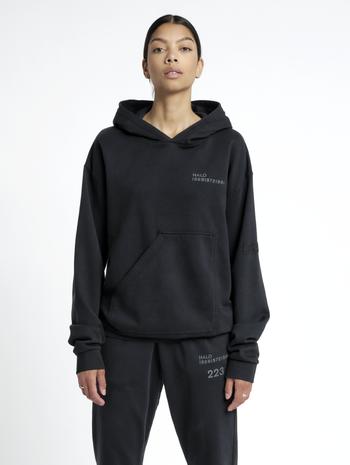 HALO COTTON HOODIE, BLACK, model